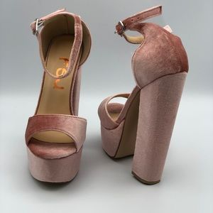 Women's suede heel